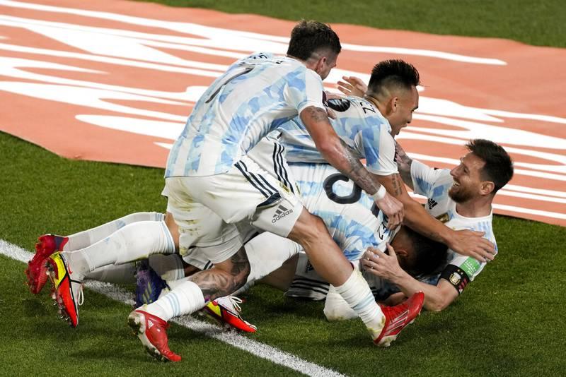 Nuevamente Lionel Messi guió a Argentina a un triunfo, ahora sobre Uruguay para llevarse el Clásico rioplatense