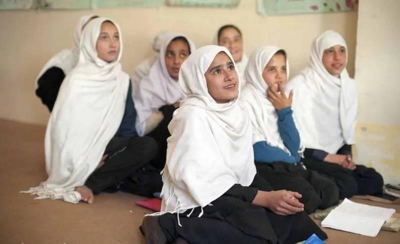 Afganistán: Talibán declara amnistía y pide a mujeres unirse a gobierno