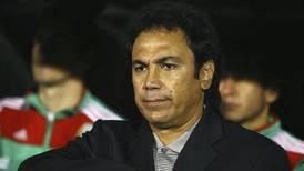 Hugo Sánchez es acusado de racismo por un ex jugador salvadoreño
