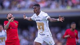 Pumas celebra con un triunfo el regreso de su afición