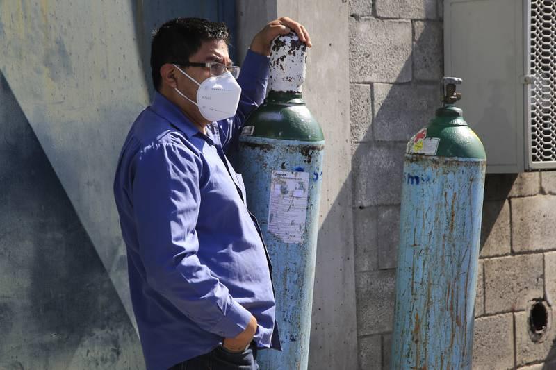 Sube costo de tanques de oxígeno pero baja precio en recargas