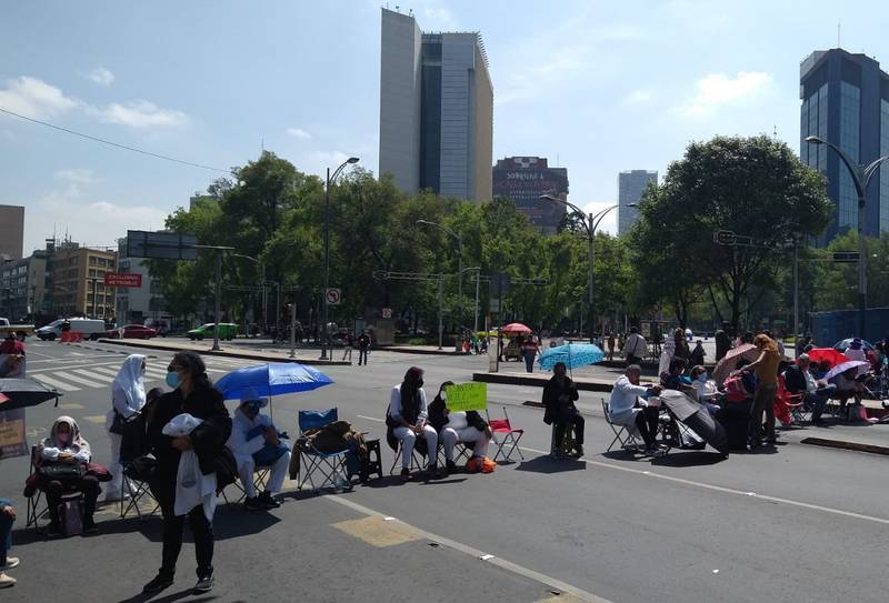Insurgentes: jubilados del IMSS bloquean Insurgentes y Reforma