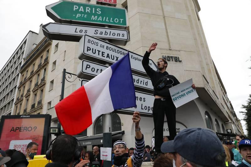 Francia: Protestan contra el certificado de vacunación