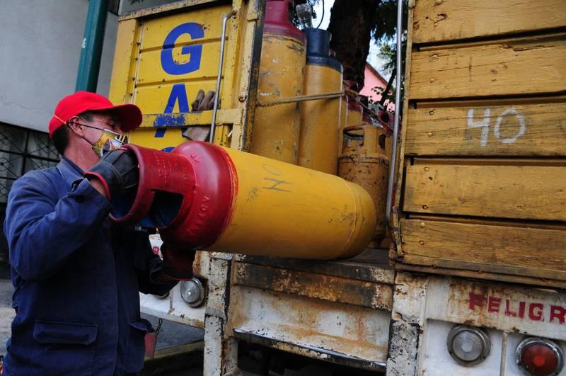 Gaseras de la ciudad mantienen paro de labores en protesta a los precios modificados por la Comisión Reguladora de Energía.