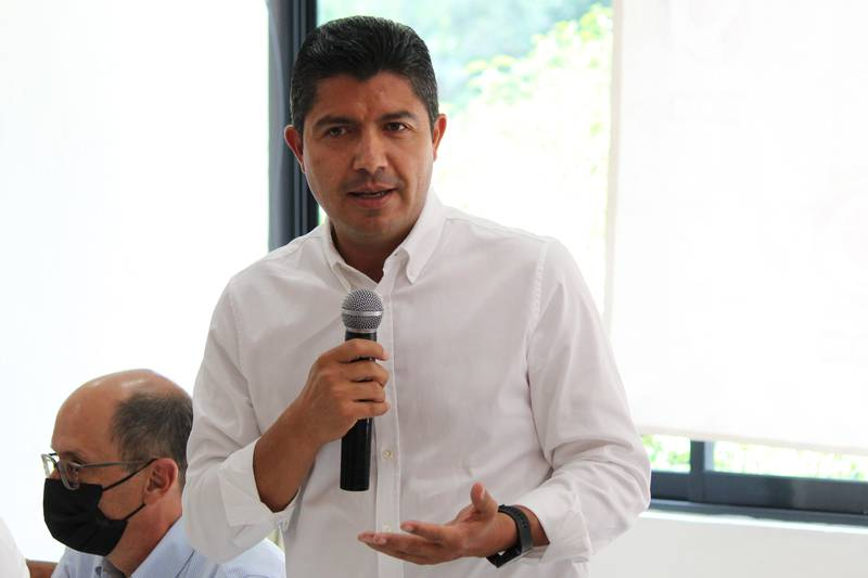 El alcalde electo de Puebla, Eduardo Rivera, da positivo al Covid-19