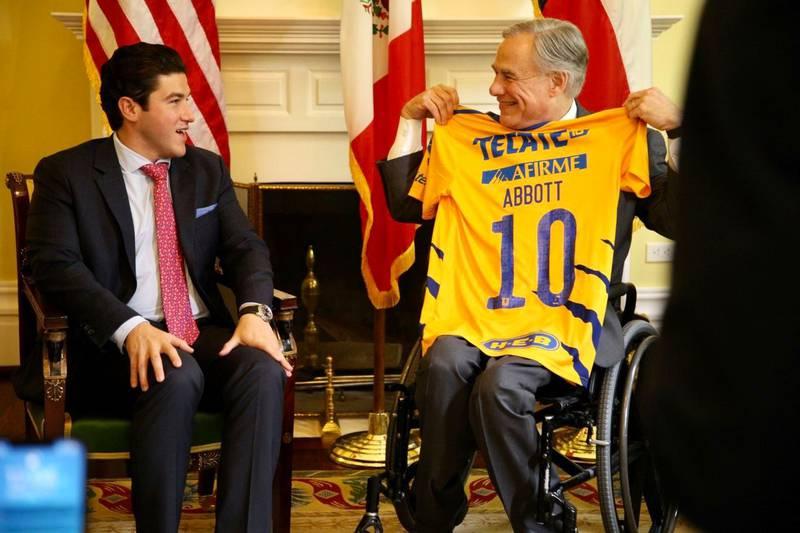 Samuel García se reunió con el gobernador de Texas