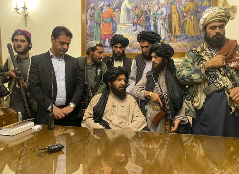 Facebook: Red social prohíbe a talibanes hacer uso de Instagram y WhatsApp