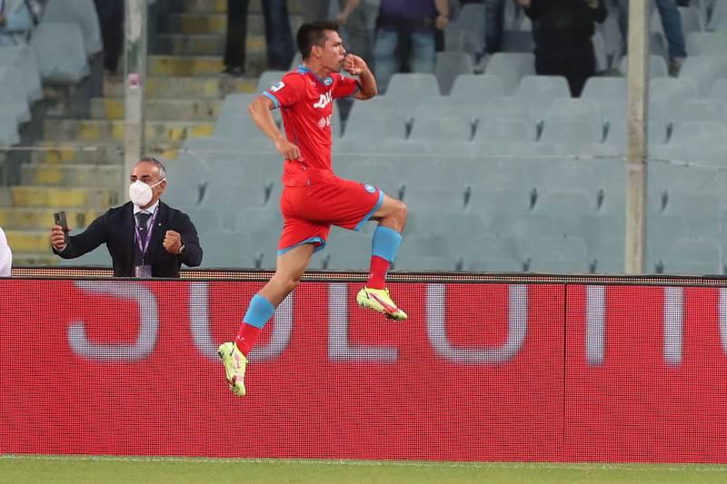 Hirving Lozano hizo el tanto del empate y el Napoli derrotó a la Fiorentina