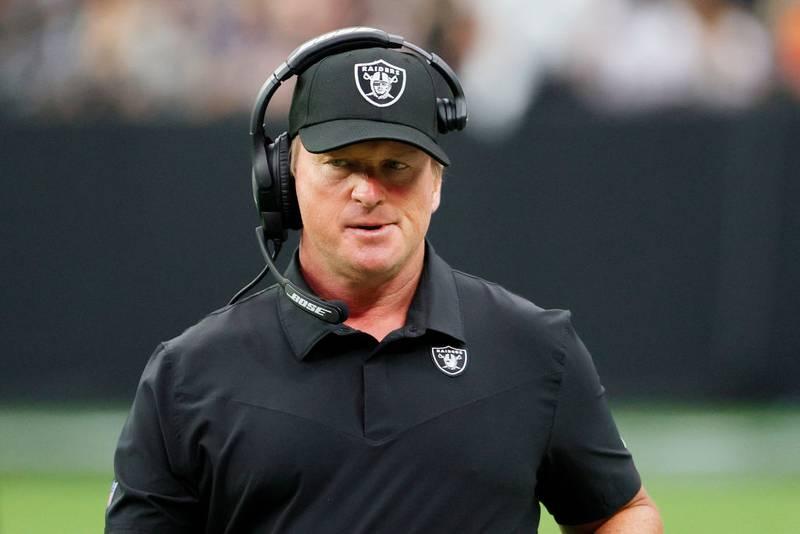 El New York Times reportó que Jon Gruden usó lenguaje inapropiado en correos por lo que se vio forzado a dejar su cargo como head coach de los Raiders