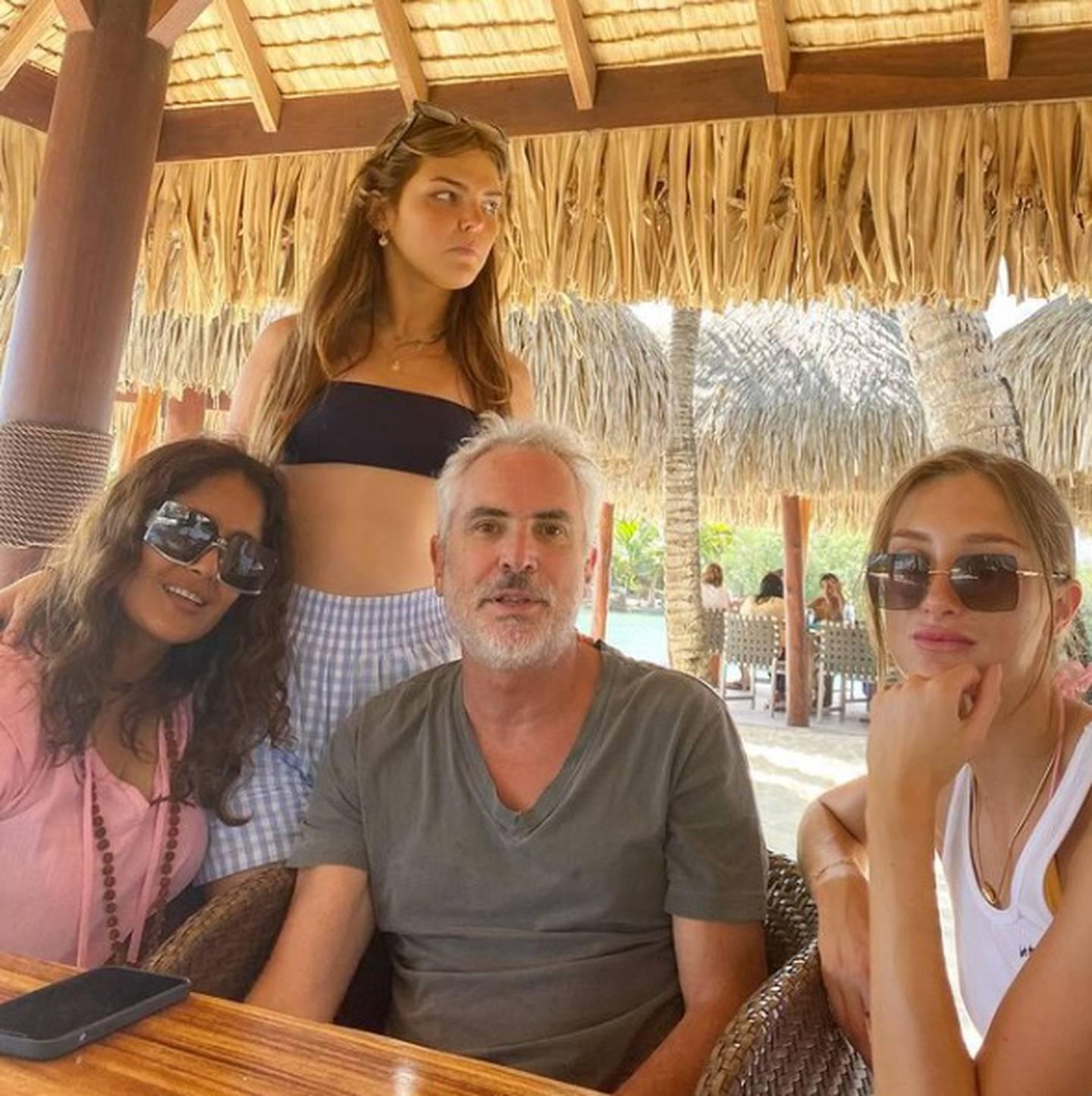 Salma Hayek y Alfonso Cuarón juntos en Bora Bora
