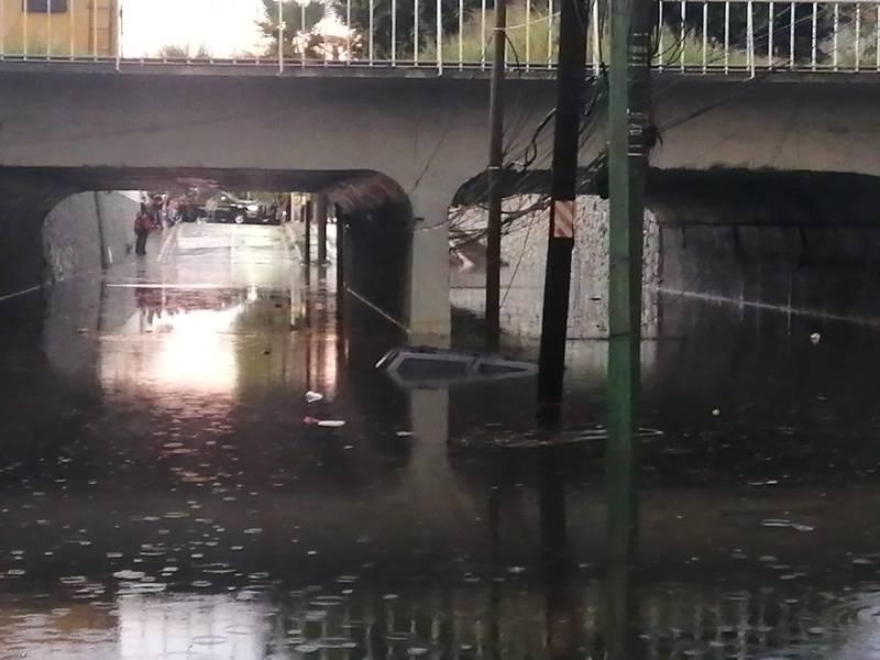 El deceso de un hombre el pasado viernes, ahogado en un paso a desnivel, revela lo riesgoso de esta infraestructura.