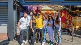 Alejandro Fernández disfrutó con sus hijos y su novia un día en Disneyland ¡Mira las fotos!
