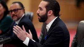 Presidente de El Salvador explota tras derrota ante México