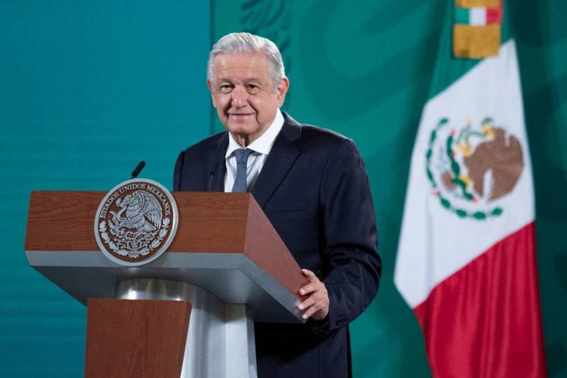 El presidente ha interrumpido su conferencia matutina para poner canciones de Óscar Chávez, Marco Antonio Muñiz y Juan Gabriel