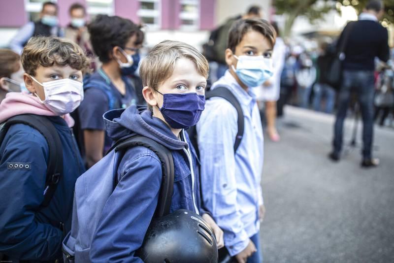 Cubrebocas ya no será obligatorio en estudiantes de Francia
