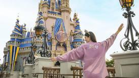 ¿Cuál es el color earidescent con el que Disney festeja el 50 aniversario de Disneyworld?
