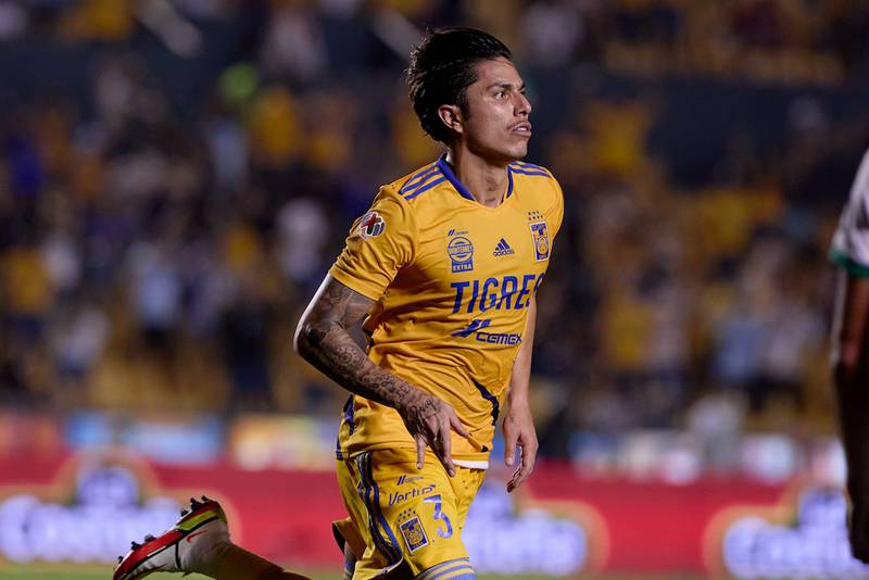 Tigres le pone millonario precio a Carlos Salcedo